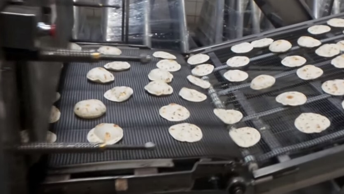 What type are the best lubricants to use on a tortilla oven chain?